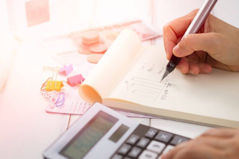 6 Reasons Why You Need A Good Bookkeeper